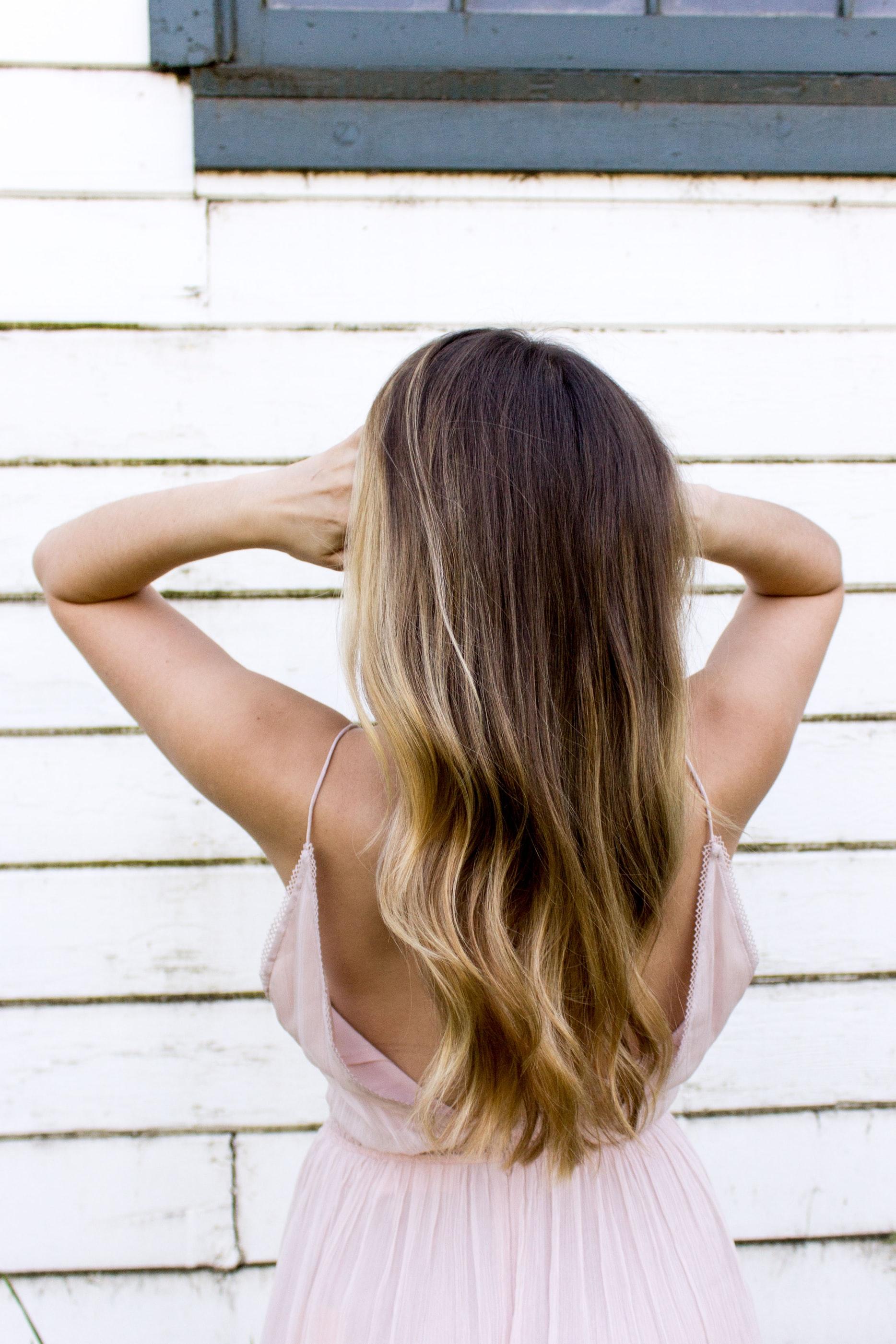 farby bez amoniaku - fryzura modelki